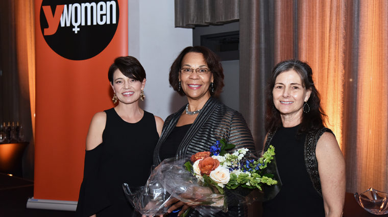 Gloria Bond Clunie receiving YWomen award